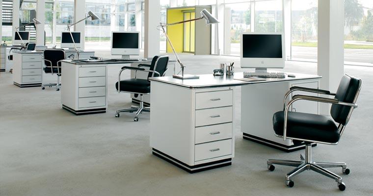 Оснащение офиса мебелью