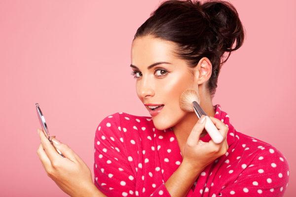 Как правильно наносить макияж? Советы и рекомендации визажистов